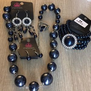 Jewelry - 4 piece Paparazzi Set